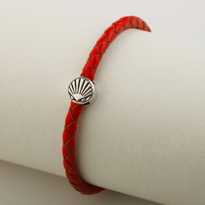 Leather bracelet braided with Camino shell, red